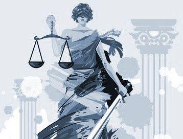 Justicia Statue mit Schwert und Waage